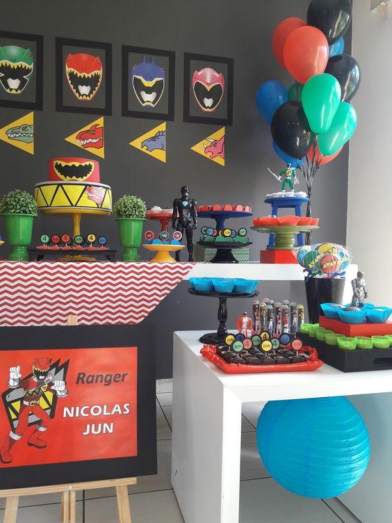 decoração festa Power Rangers simples