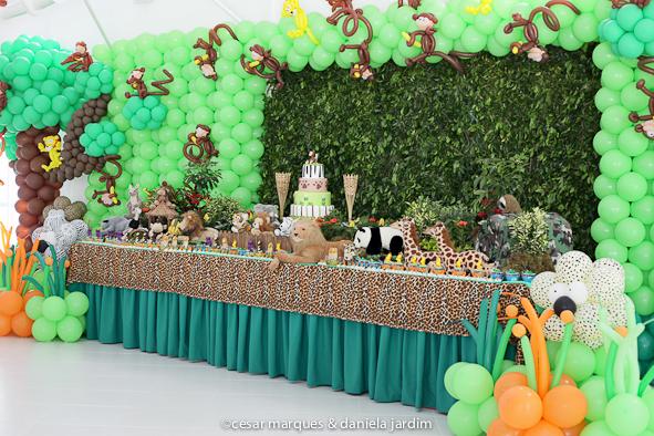 decoraçao selva mesa docinhos