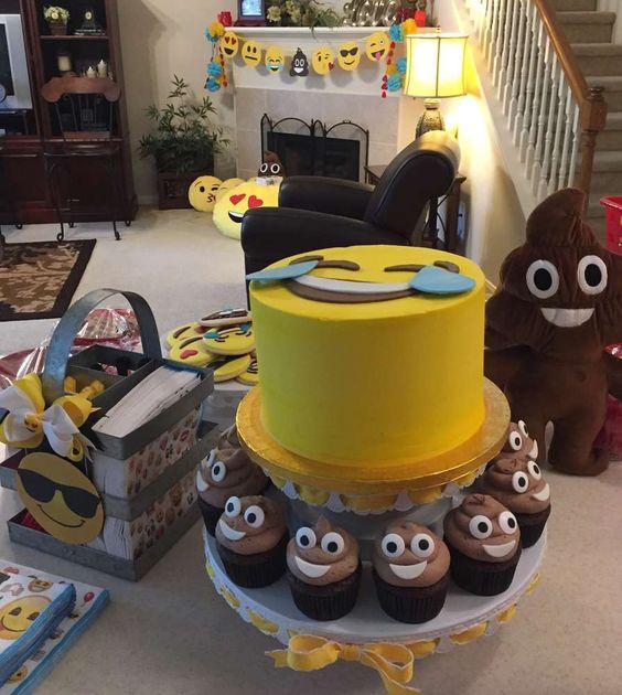 decoracao festa emoji 6