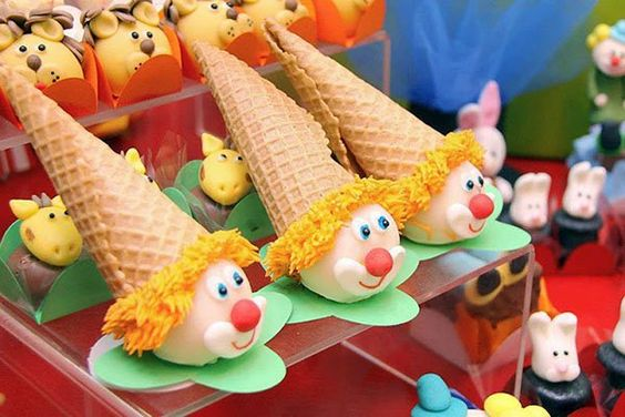 docinhos carnaval popcakes palhaco