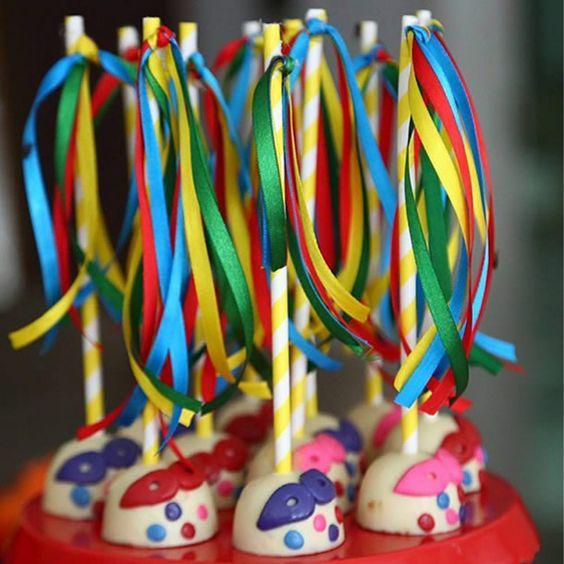 docinhos carnaval popcakes