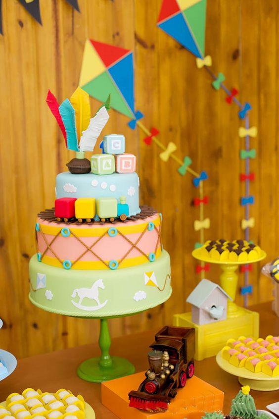 festa pipas cataventos bolo decorado 5