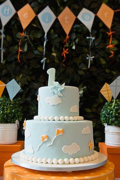 festa pipas cataventos bolo