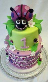 fotos bolos joaninha