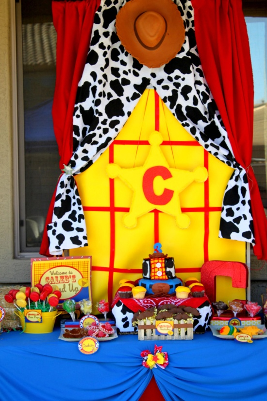 mesa de doces toy story