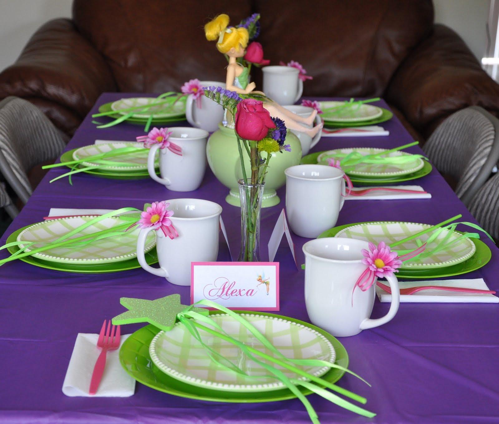 mesa decorada sininho
