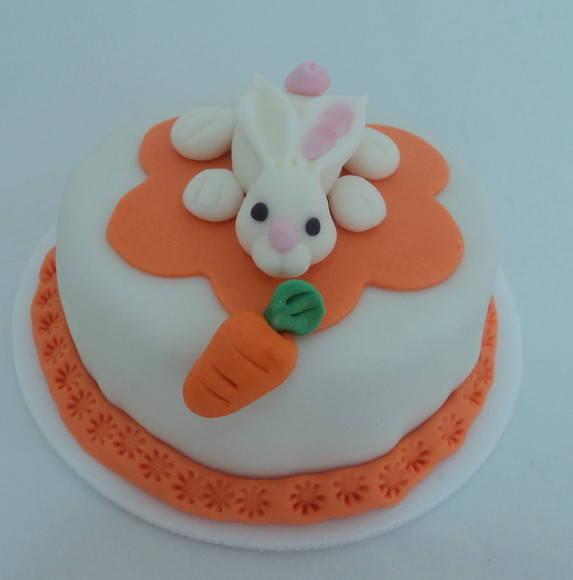 mini bolo de bolo pascoa coelho