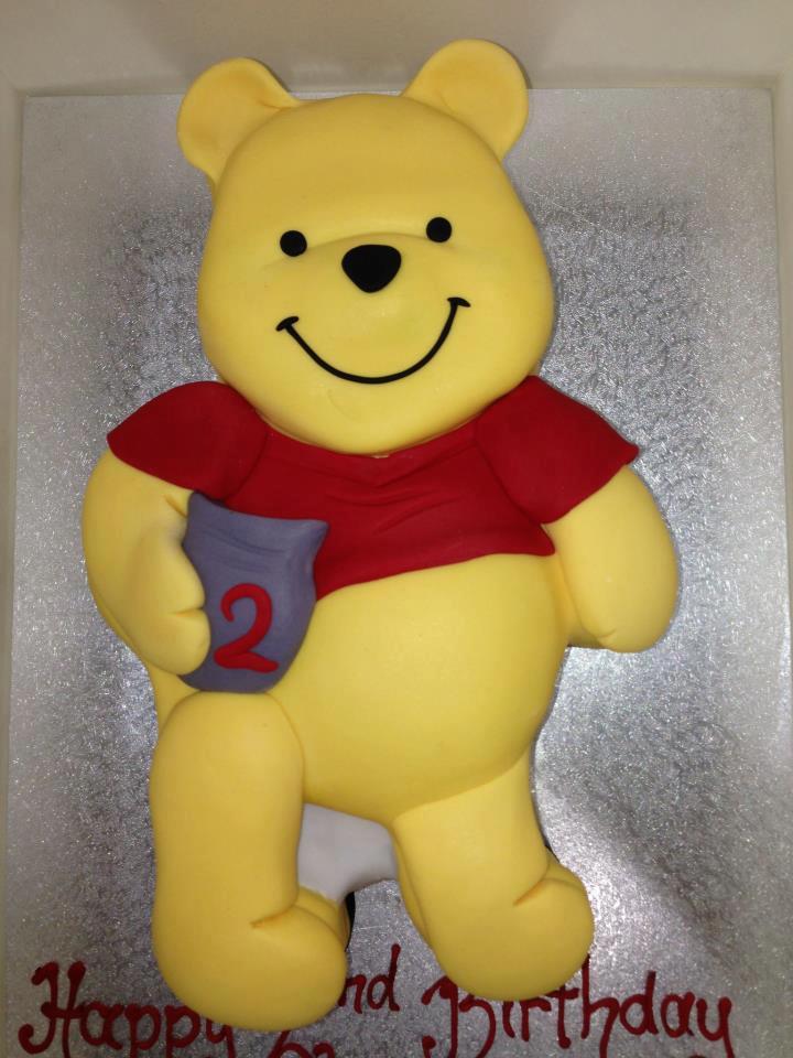 winnie pook cake